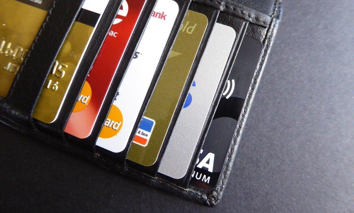 zusatzgebühren bei kreditkartenzahlung