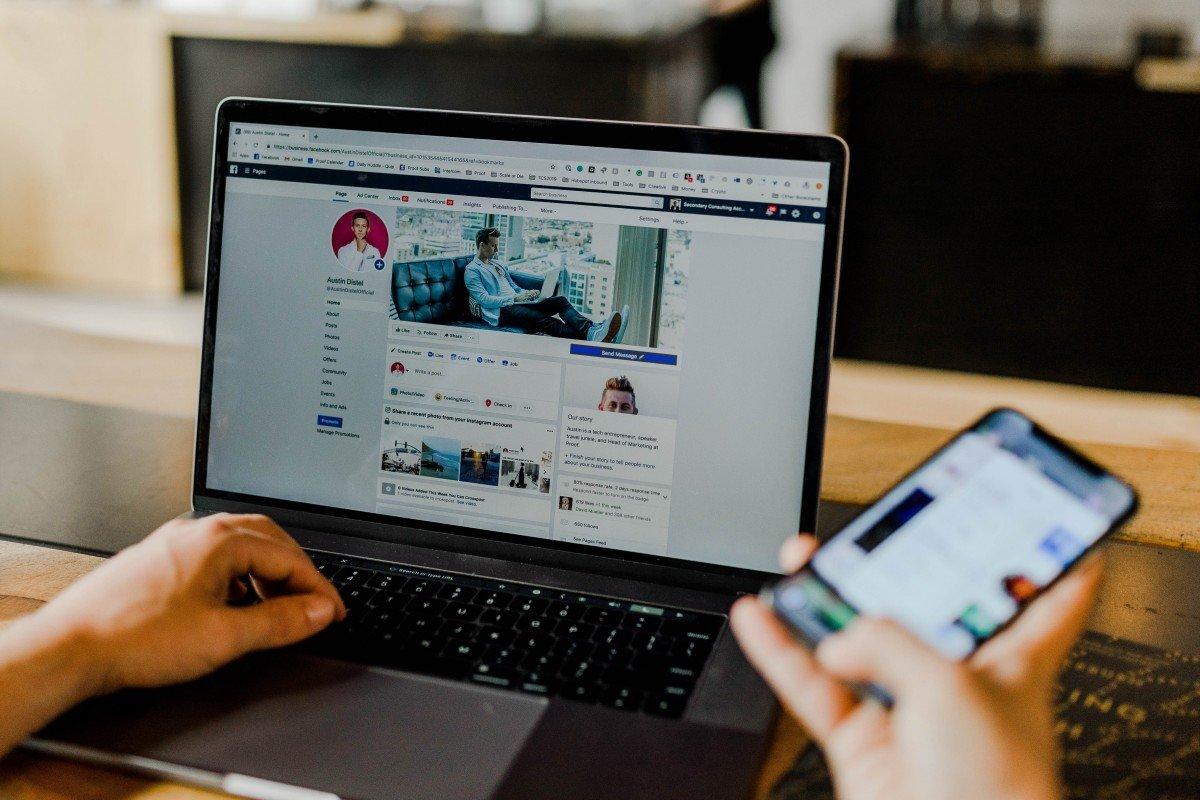 Facebook will mit Messenger Rooms dem Anbieter Zoom in Sachen Videokonferenzen Konkurrenz machen.