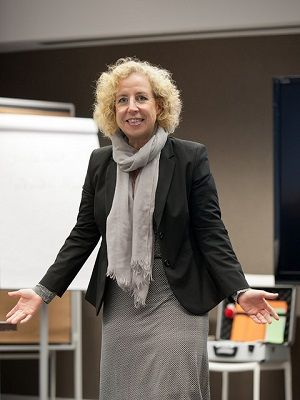 Kerstin Hoffmann im Vortrag